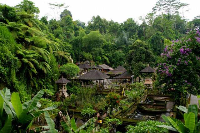 bali-tirtha-empul-holy-spring-water-temple